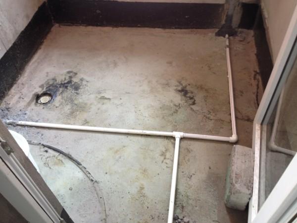 水管施工工艺横平竖直,冷热馆间距不能低于20CM,水管处做到左热右冷,线路横平竖直墙体开槽不能高于30CM,需预先埋管。