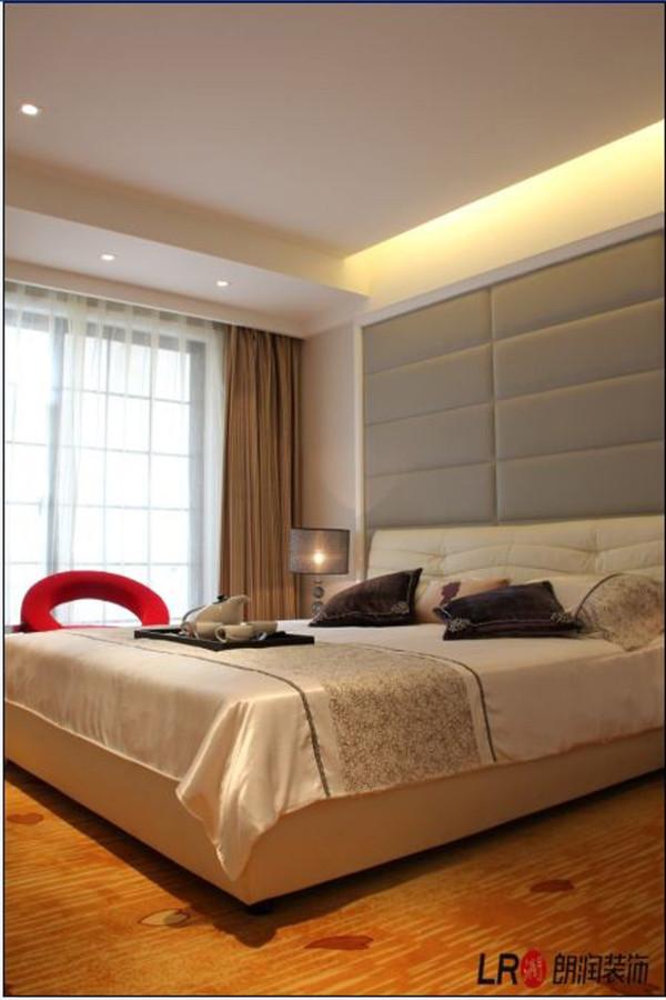 主卧室,PU材质的软装现代设计搭配简欧的设计凸显品味