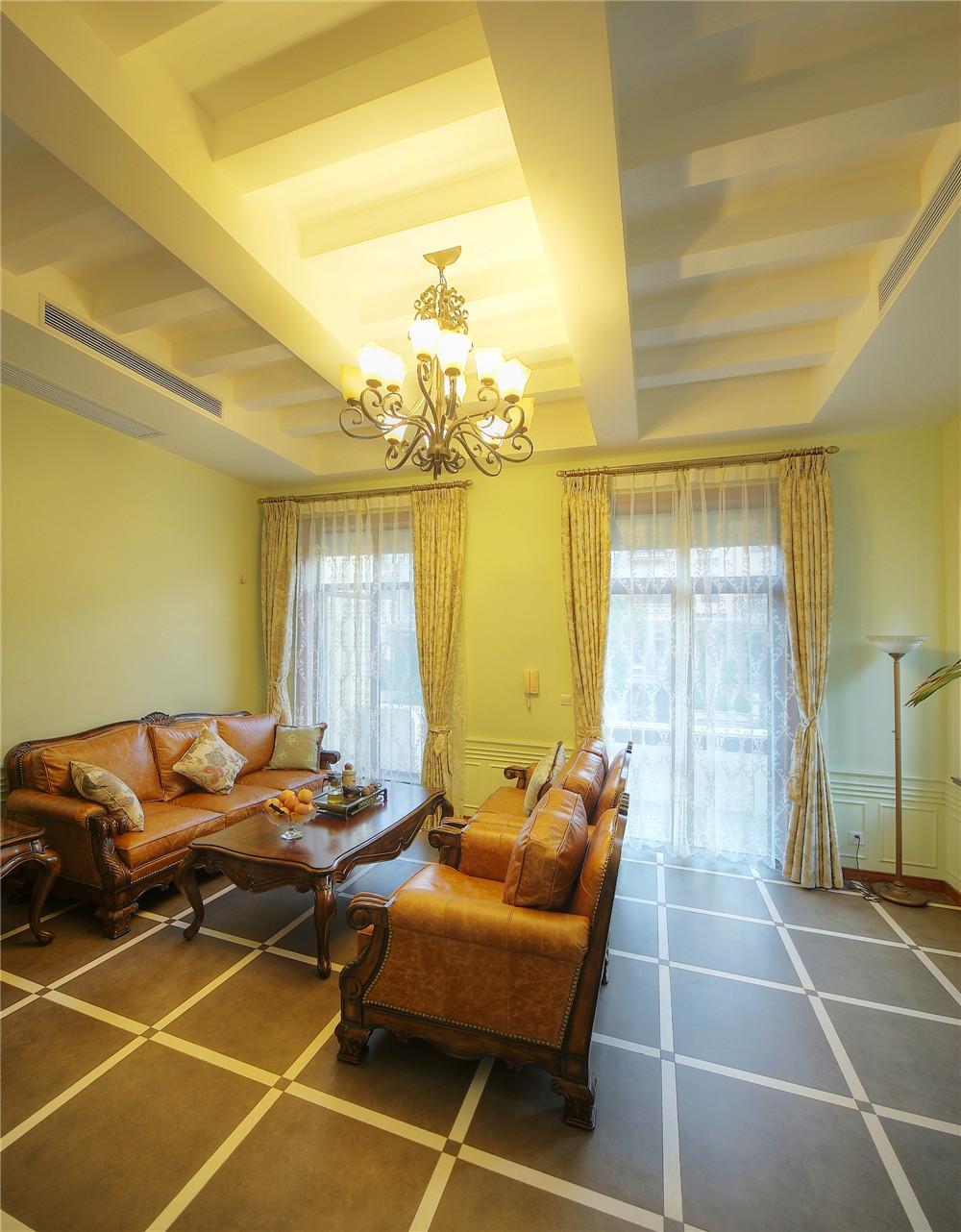 别墅 别墅装修 别墅设计 聚通装璜 欧美风格 客厅图片来自jtong0002在上海环球翡翠湾别墅装修实景展示的分享