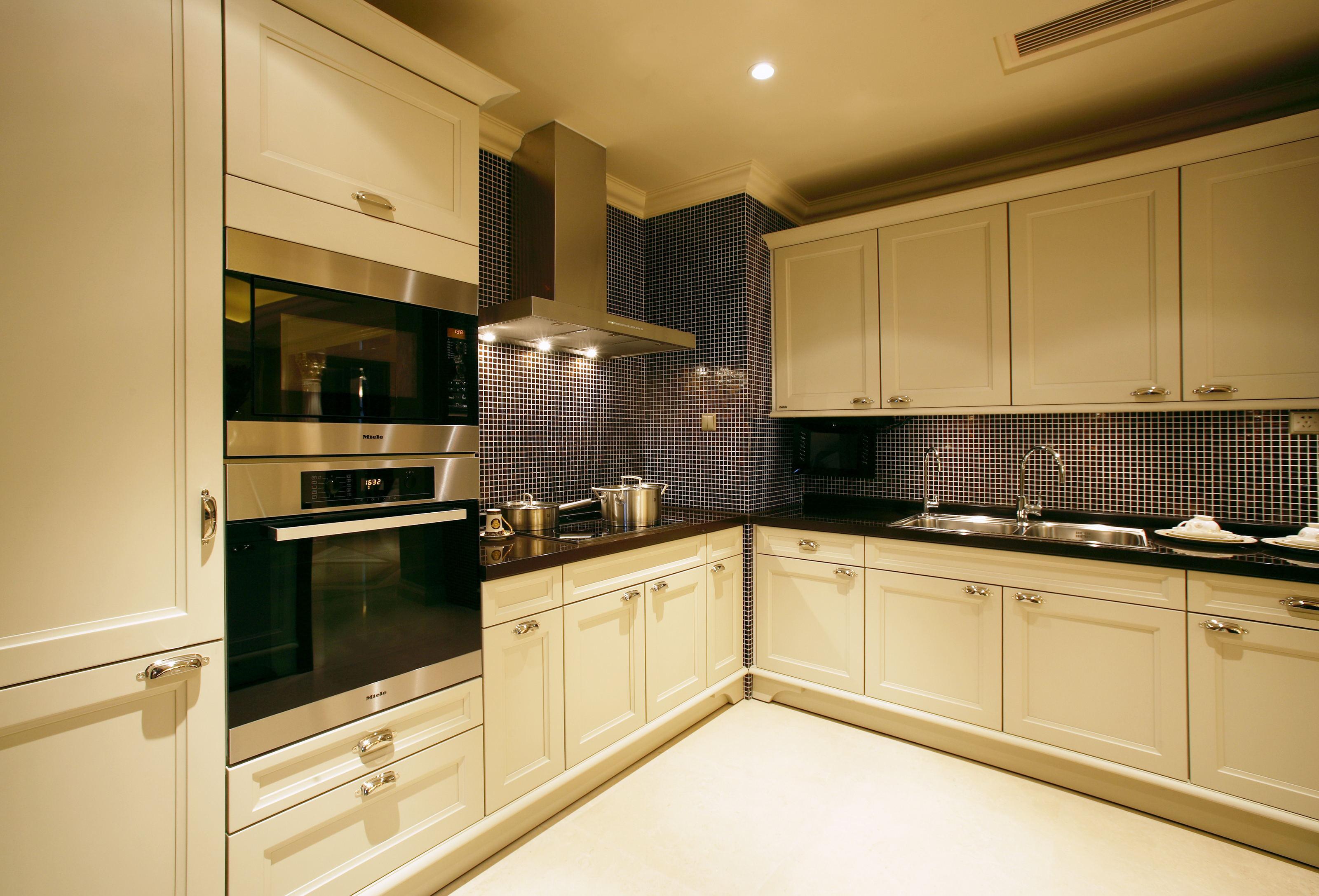 简约 欧式 别墅 厨房图片来自1043284585x在花水湾同福别墅的分享