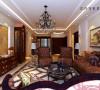 整体的实木色家具让整个房间充满大气磅礴感,整个空间体现了深刻的文化底蕴,并体现了功能与艺术的协调统一。