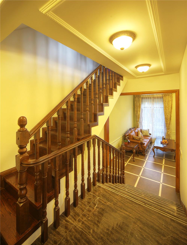 别墅 别墅装修 别墅设计 聚通装璜 欧美风格 楼梯图片来自jtong0002在上海环球翡翠湾别墅装修实景展示的分享