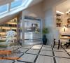 设计理念:精彩的呈现符合生活中的美好期待与传家经典。 亮点:特殊的空间规划与独特的建筑体。厨房时尚典雅的玻璃门,塑造半穿透性的空间分界,自然光,利落线版。