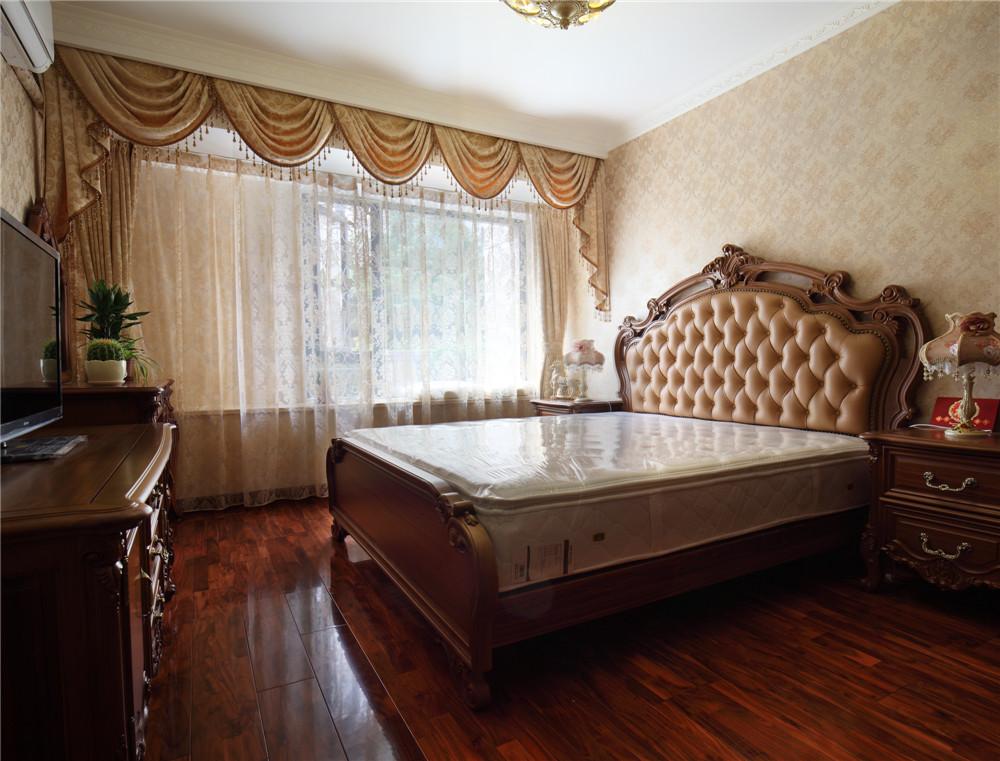 卧室图片来自jtong0002在宝宸怡景园别墅户型装修实景展示的分享