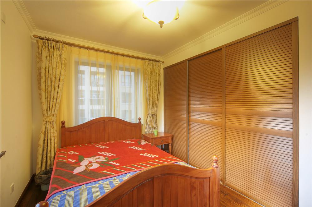 别墅 别墅装修 别墅设计 聚通装璜 欧美风格 卧室图片来自jtong0002在上海环球翡翠湾别墅装修实景展示的分享