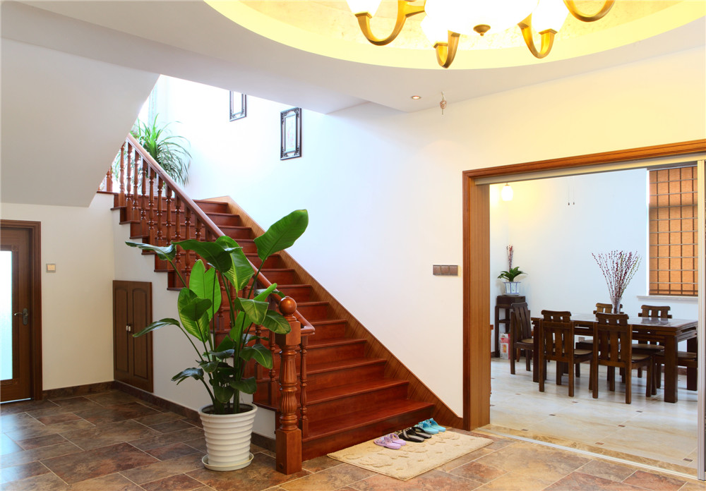 别墅 别墅装修 别墅设计 聚通装璜 实景展示 楼梯图片来自jtong0002在别墅里的优雅美式风-实景展示!的分享