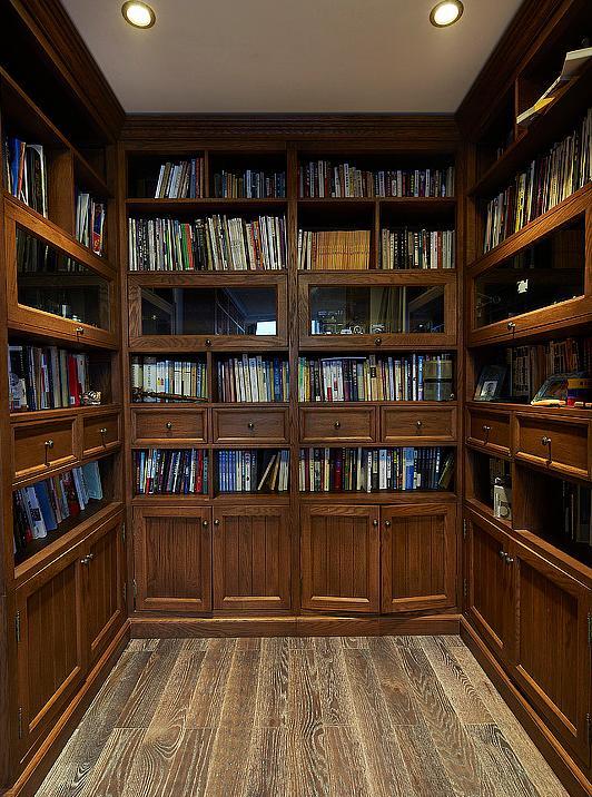 书房图片来自佰辰生活装饰在250平美式复古大跃层的分享