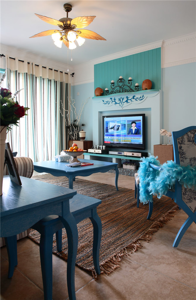 三居 白领 80后 小资 唯美 地中海 拼接 布艺沙发 客厅图片来自2786584496x在唯美地中海的分享