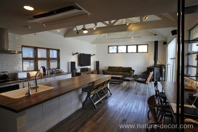 简约 現代 復古 混搭 客厅图片来自亞爾菲在與「TRUCK」相符的家的分享