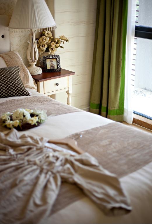 三居 白领 收纳 80后 小资 地中海 苹果装饰 长沙装饰 卧室图片来自苹果装饰公司在北辰三角洲地中海风格欣赏的分享