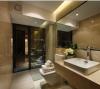 卫生间:大理石浴室柜配合米色瓷砖显得大气而不失典雅。