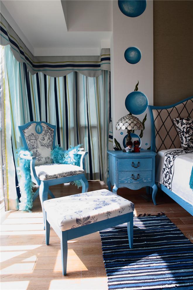 三居 白领 80后 小资 唯美 地中海 拼接 布艺沙发 卧室图片来自2786584496x在唯美地中海的分享