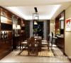 餐厅的是传统的中式风格装修。