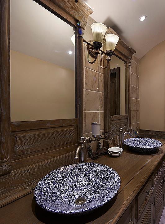 卫生间图片来自佰辰生活装饰在250平美式复古大跃层的分享