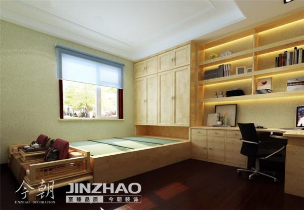 【设计说明】:简欧风格可以体现这样装修氛围的效果,同样老房装修也可以达到同样的视觉效果
