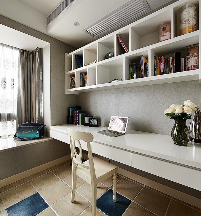 书房图片来自佰辰生活装饰在260方轻奢风小窝的分享