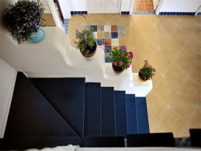 80后 小资 收纳 地中海 小清新 楼梯图片来自成都生活家装饰在保利城165平米地中海风格的分享