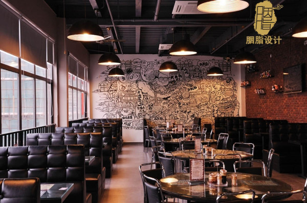 餐厅风格与园区相衬,现代与复古相结合
