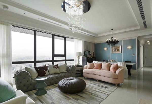 客厅:以不同色彩打造客厅装饰层次,让空间更加明亮简约而大气,气泡的灯饰,更加优雅