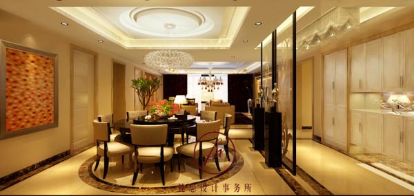 餐厅空间宽敞,餐厅设计师用抽象的画画点缀。客厅与过道之间用装饰玻璃做屏风,使整个空间更有层次感