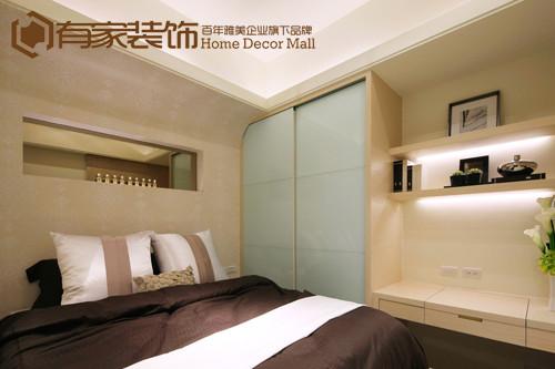 家具追求平衡与朴素的规整美,因为卧室是休息的地方,所以外形需要传达一种平稳与和谐。