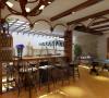 设计理念:用地面和墙饰来诠释欧式风格以达到华贵休闲的设计理念,预留更多的空间满足使用的功能。 亮点:古典的地面设计、和壁挂大本钟延续了欧式风格的传统。
