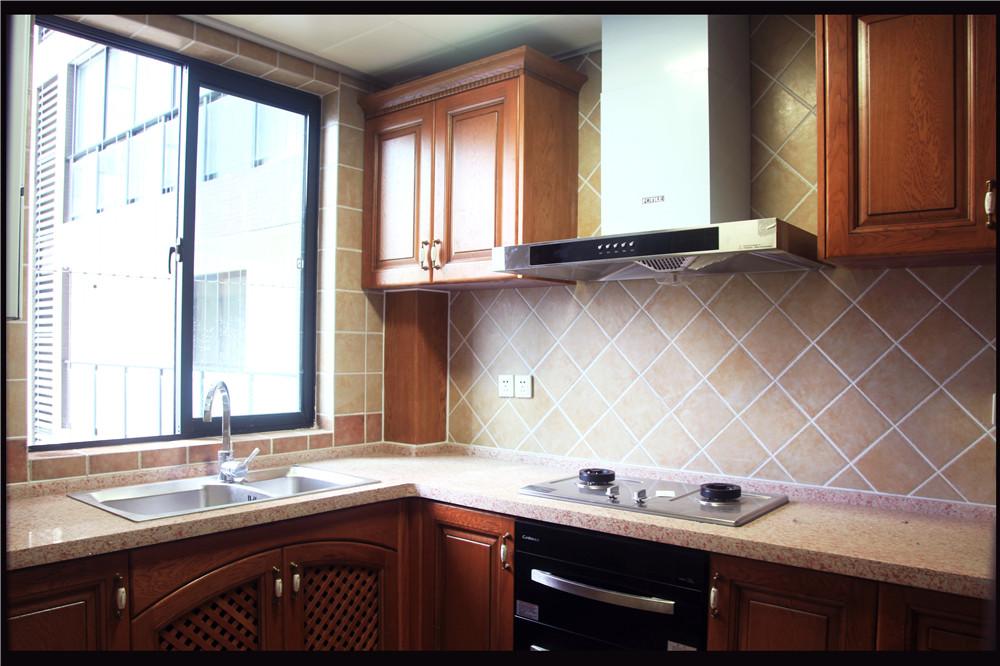 欧式 混搭 白领 80后 小资 厨房图片来自长沙金煌装饰在融科东南海四室两厅欧式风格的分享