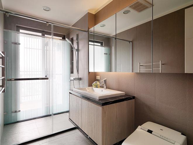 简约 白领 80后 卫生间图片来自天津都市新居装饰有限公司在恒盛SOHO二号楼的分享