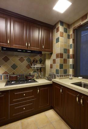 美式 新古典 三居 小资 厨房图片来自家装大管家在演绎布拉格之恋 98平美式新古典的分享