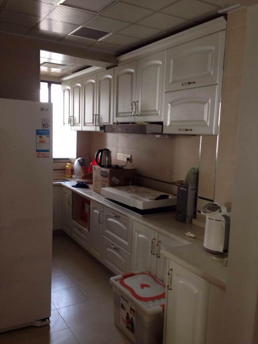 简约 三居 80后 小资 厨房图片来自2212544651x在润和紫郡现代简约风格的分享
