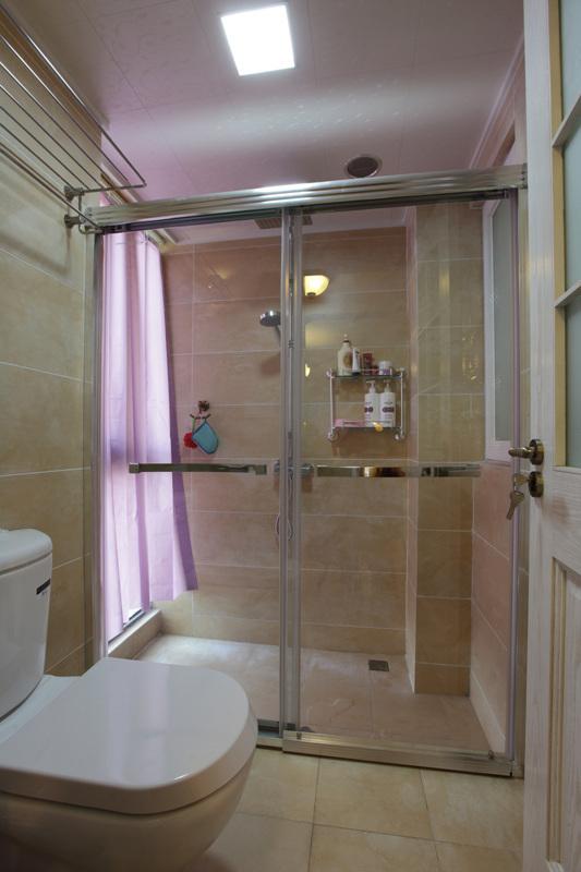二居 80后 白领 卫生间图片来自天津都市新居装饰有限公司在河东红城 美式风格 都市新居的分享