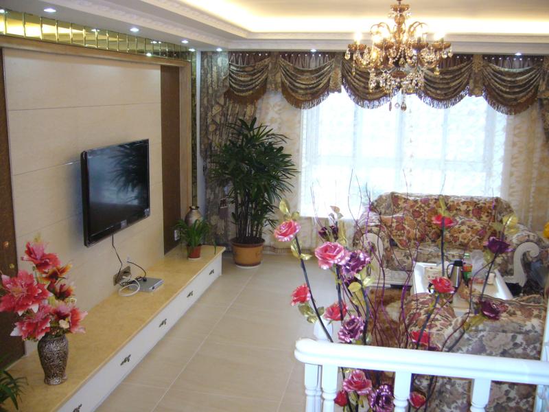 简约 二居 欧式 客厅图片来自武汉豪迪装饰公司在雷苑小区现代简约风格的分享