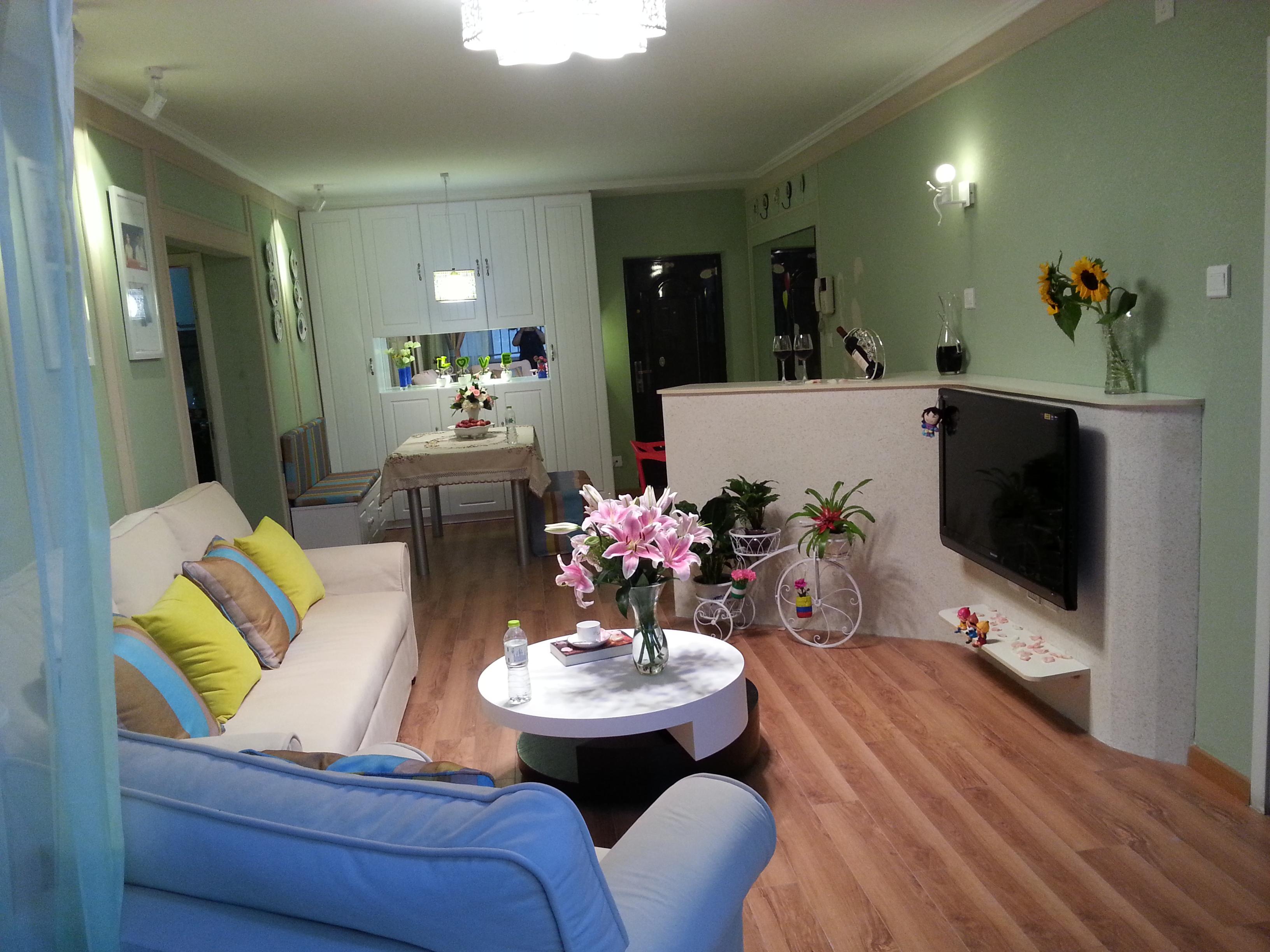一居 开间 地中海 白领 收纳 客厅图片来自实创装饰装修在小两口精心装修的温馨一居的分享