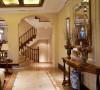 本案业主是装修过两次房子的,非常有经验和设计想法、在与客户沟通研究一个月后最终确定以古典欧式风格定位。