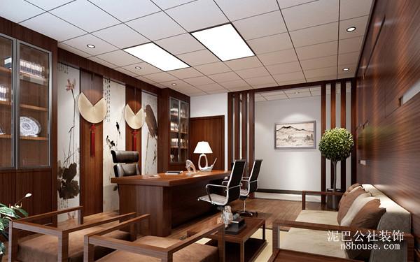 木制家具就是现代中式的一大特点,另外瓷器的装饰使得整体感觉变得端庄典雅
