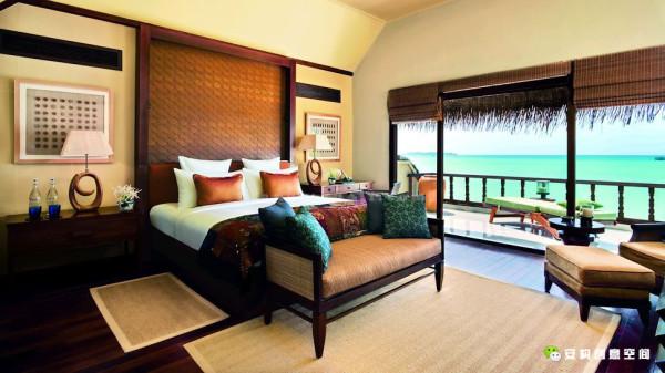 在澳大利亚《Luxury Travel》杂志金榜读者奖中被评为马尔代夫最佳海外独家酒店和最佳海外SPA酒店。