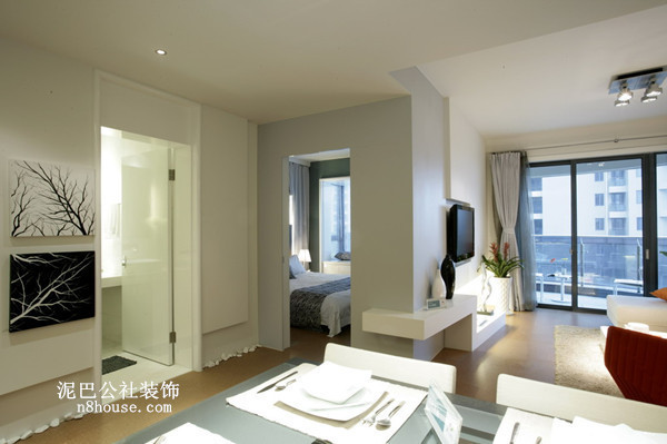 门厅,合理有效地划分客厅和餐厅的区域