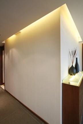 简约 三居 收纳 白领 现代 温馨 玄关图片来自孙进进在上海徐汇125平三居现代温馨雅居的分享