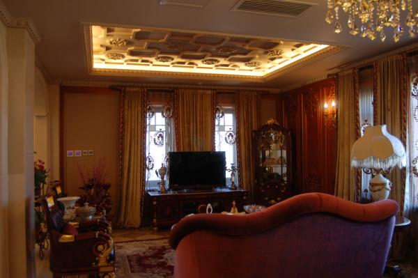 不以繁复取胜,而以品质彰显身份,这就是设计师为业主打造的精致豪华别墅生活。