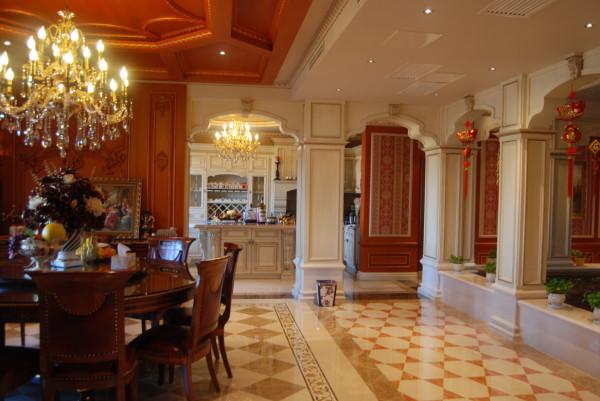 无论是客厅中朴实无华的大理石地面还是休闲区的大理石拼花,设计师都在为业主设计着精益求精的生活态度