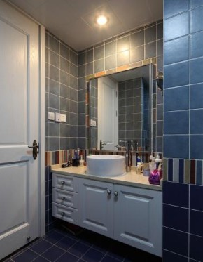 美式 清新 二居 舒适 白领 卫生间图片来自佰辰生活装饰在92平清清爽爽美式心窝的分享