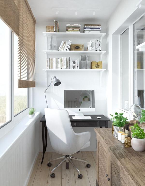 密封的阳台,摆上简约的书架和书桌,打造舒适的工作学习空间,再用绿色植物加以点缀,简单舒适的生活打造起来就是这么简单。