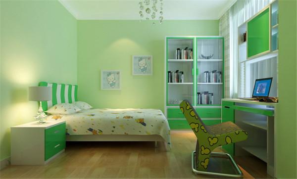主要客厅装修材料以壁纸,烤漆玻璃为主,以白色的木门的优美含蓄,壁纸的朴素大方来装饰墙面的景点。更体现现代简约的之感。创造一个温馨,健康的家庭环境。