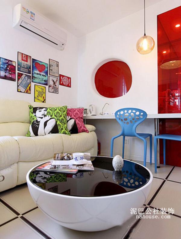 混搭 简约 创意 二居 客厅 客厅图片来自泥巴公社设计师李轶在混搭格调 彩绘空间的分享
