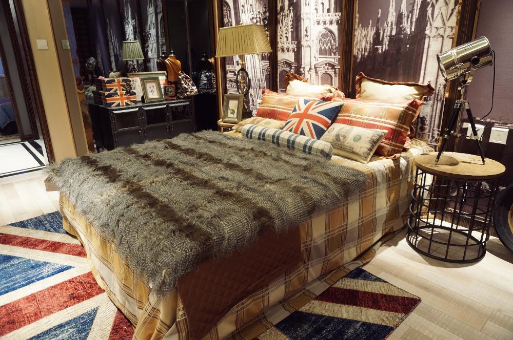 卧室图片来自斯斯98在《夕阳下的曼哈顿》loft工业风的分享