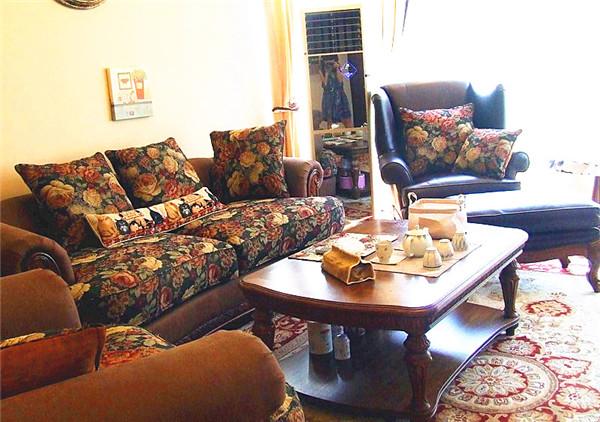 混搭 别墅 白领 80后 小资 客厅图片来自长沙金煌装饰在星城世家160平米四房两厅的分享
