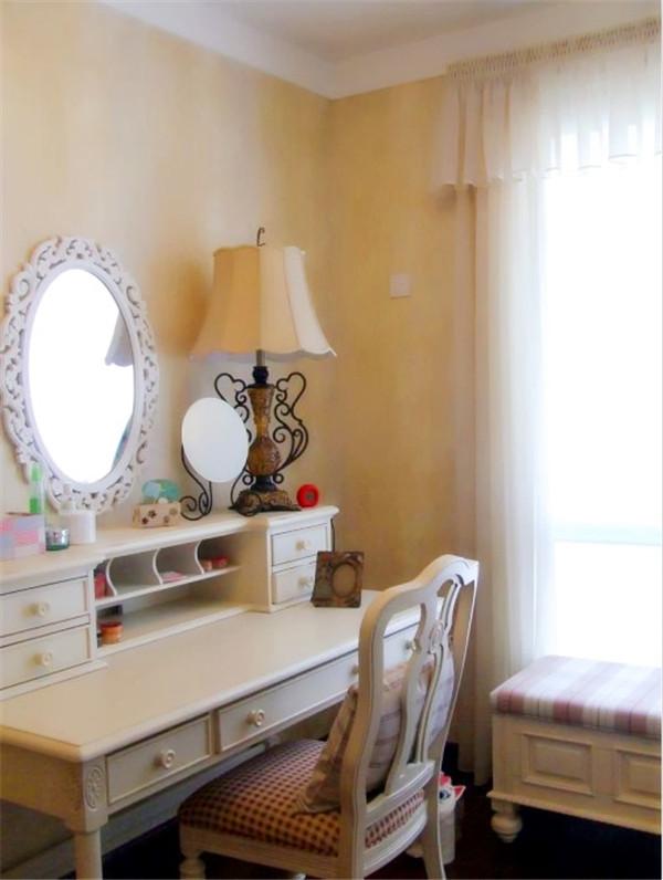 混搭 别墅 白领 80后 小资 卧室图片来自长沙金煌装饰在星城世家160平米四房两厅的分享