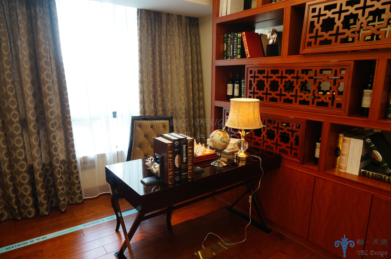 欧式 三居 白领 80后 小资 华贵 大气 软装 配饰 书房图片来自广州怡贝拉装饰工程在佛山普君新城•华府19A样板间的分享