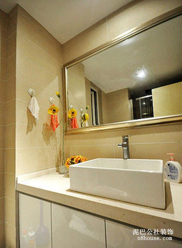 现代 时尚 简约 二居 卫生间 卫生间图片来自泥巴公社设计师戴鲁君缘在现代时尚 湘江北尚的分享