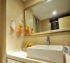 大理石洗手台台面,方形浴室镜,能增强浴室的可视空间